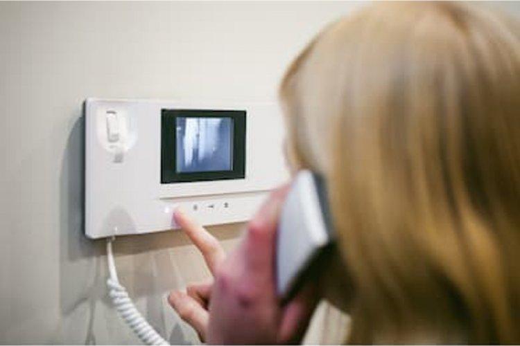 Systemy domofonowe i wideodomofonowe
